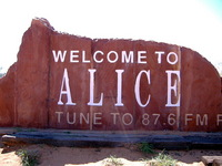 small_82_alice_springs_sign.jpg